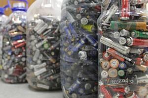ОНФ: Бюрократические проволочки парализовали утилизацию батареек в масштабах всей страны