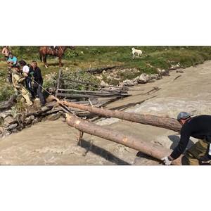 Студенты построили мост для туристов в национальном парке «Приэльбрусье»