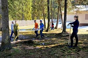 Кировские активисты партии «Коммунисты России» провели «первомайскую маевку».