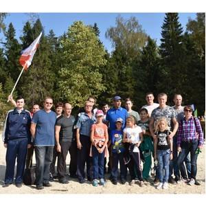ћытищинские теплоэнергетики прин¤ли участи экологической акции Ђѕосади свое деревої