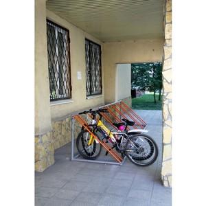 «Липецкцемент» подарил детям велопарковку
