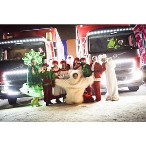 Тысячи жителей Красноярска увидели «Рождественский караван Coca-Cola» в этом году