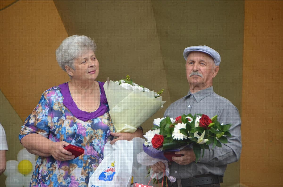 8 июля в г. Серове на Преображенской площади состоялось празднование Дня семьи, любви и верности