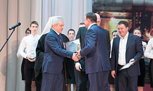 Сергей Напольских удостоен премии имени Алексея Угарова