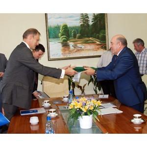 Владимир Женов поддерживает сотрудничество региона с зарубежными партнерами