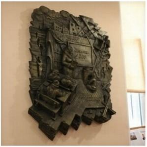 Установка мемориальных барельефов в Невском районе продолжается