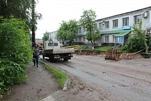 Кировские активисты ОНФ взяли на контроль проблемы жителей домов, расположенных у строящейся дороги