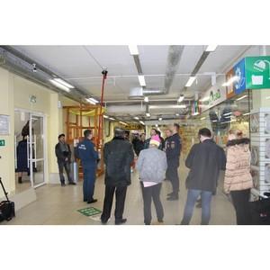 Активисты ОНФ проводят мониторинг безопасности торговых и развлекательных центров в Кургане