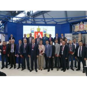 На международной выставке ИННОПРОМ вручили премии им. Черепановых лучшим инженерам области
