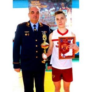 Главный приз волейбольного турнира УФСКН РФ по Чувашии  - у  новочебоксарских школьников