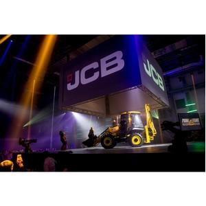 В Подмосковье открылся крупнейший дилерский центр JCB