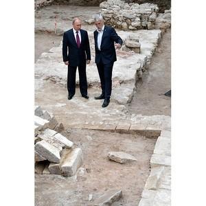 В.Путин побывал на месте новых археологических раскопок на территории Московского Кремля