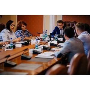 Активисты ОНФ обсудили с губернатором Приамурья реализацию проектов Народного фронта в регионе