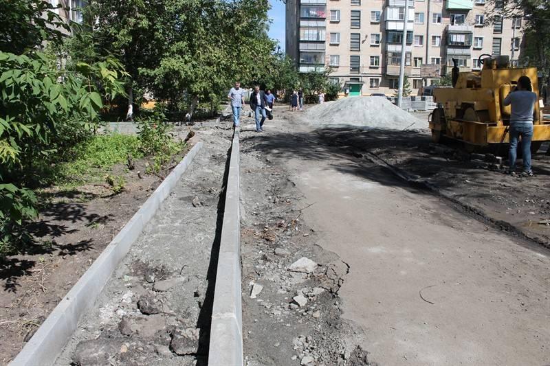 Эксперты ОНФ оценили благоустройство дворов в Ленинском районе Челябинска
