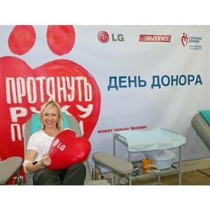 Спортсменка Мария Бутырская поддержала первый совместный в 2014г. День донора в LG и Эльдорадо в Сочи