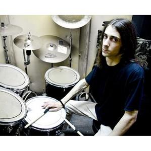 Бывший барабанщик Shadow Host в группе Karma