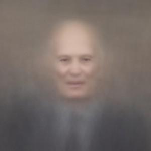 """""""Гений"""" - первый в мире фотопортрет, выполненный искусственным интеллектом в Сколково"""