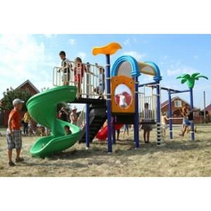 «Нестле Кубань» подарила юным тимашевцам детскую площадку