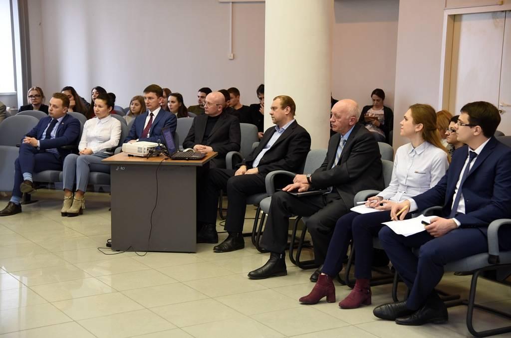 По 18 основным направлениям донским парламентом будет реализовано послание президента в 2018 г.