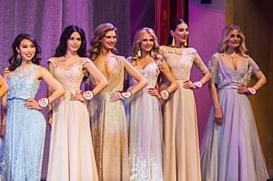 Вокальный проект VIVA провозгласил «девушку-праздник» ведущую Юлию Бали Мисс Великой Россией 2017