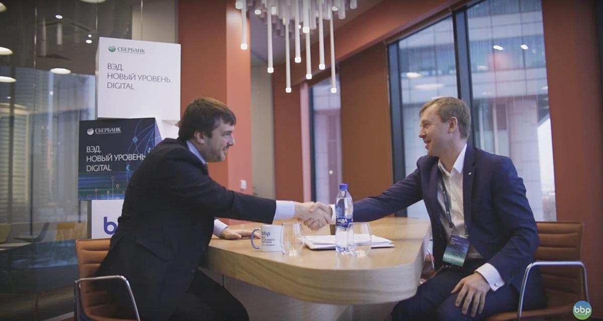 """Никита Семенов, вице-президент ГК """"Тополь"""", о зарубежных рынках на встрече с Анатолием Поповым."""