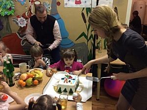Новогодние сюрпризы для детей из социальных центров в Москве и  Тверской области