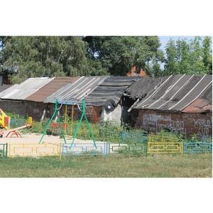 Благоустройство дворов в регионе проводится без учета мнения жителей и специалистов
