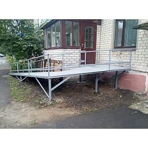 Белгородские активисты ОНФ добились установки пандуса в доме инвалида-колясочника в Валуйках