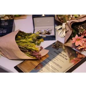 «Кузбассэнергосбыт» отметил лучших клиентов и наградил худшего керосиновой лампой