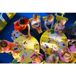 Познавательные игры в клубе детских увлечений «Ура» в ТРЦ «Аура»