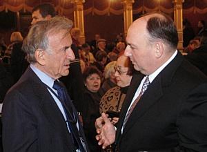 Президент ЕЕК Вячеслав Моше Кантор выражает глубочайшие соболезнования по случаю кончины Эли Визеля.
