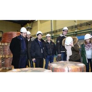 Студенты из 18 стран увидели, как УГМК производит медь