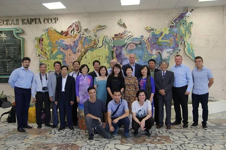 Международное сотрудничество укрепляет братство МГРИшников