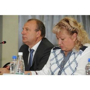 Марина Петрушина и Владимир Фомин поздравили коллектив «Новой социальной газеты»