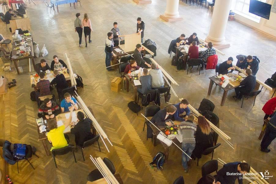 Лидеры инженерных соревнований - студенты физико-технологического института УрФУ