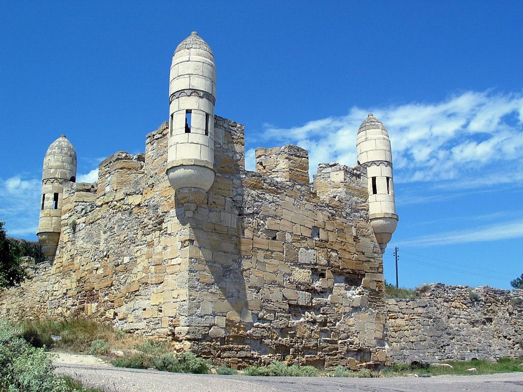 Крепости Крыма: 5 крепостей обязательных к посещению.