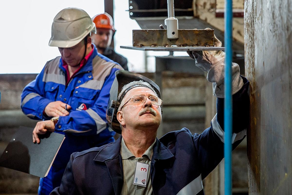 На Стойленском ГОКе выбрали лучшего электрогазосварщика