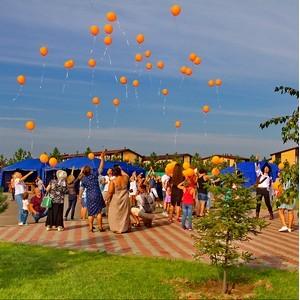 Традиционное празднование дня поселка состоялось в «Кембридже» и «Марселе»