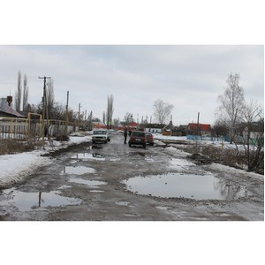 Воронежские активисты Народного фронта добиваются ремонта дорог в Рождественской Хаве
