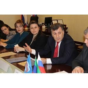 Умахан Умаханов подал документы на участие в предварительном голосовании в региональный оргкомитет