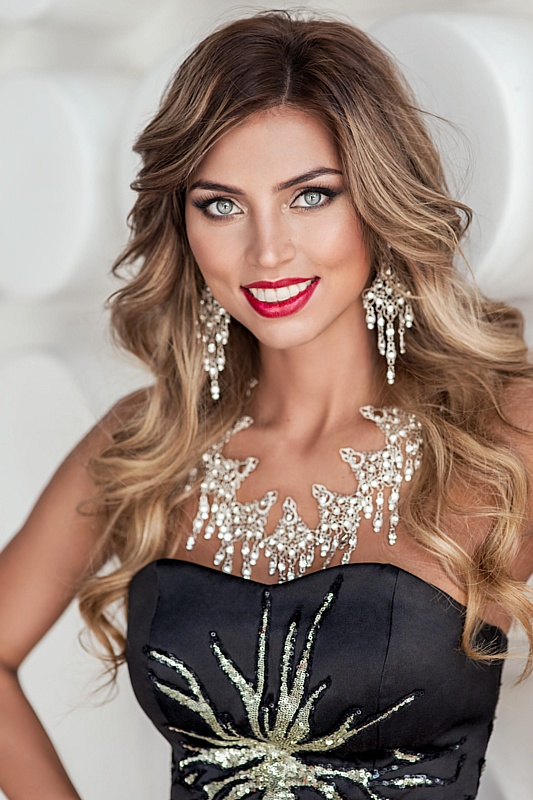 Miss Russia Earth 2018 стала Валентина Колесникова