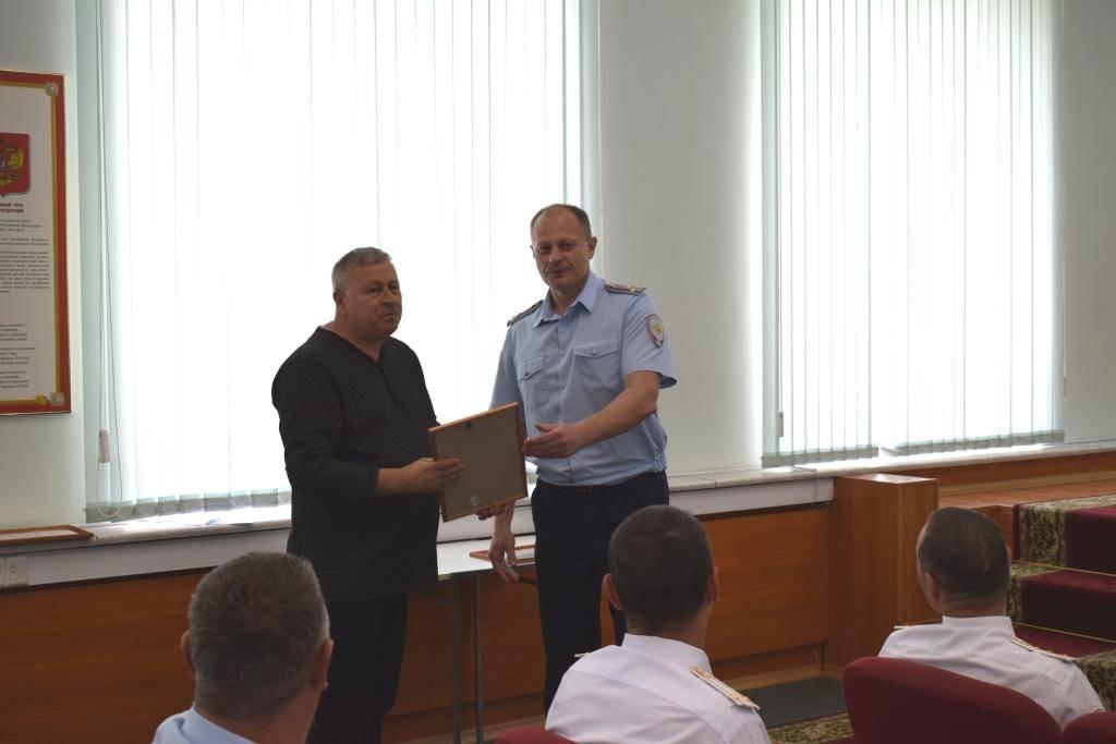 УВД Зеленограда поздравило личный состав с образованием службы по делам несовершеннолетних