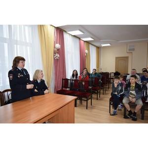 Женсовет УВД Зеленограда посетил Центр поддержки семьи и детства в День правовой помощи детям