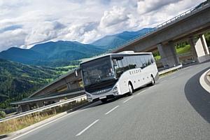 Средний класс обновился: новый туристический автобус Evadys от Iveco
