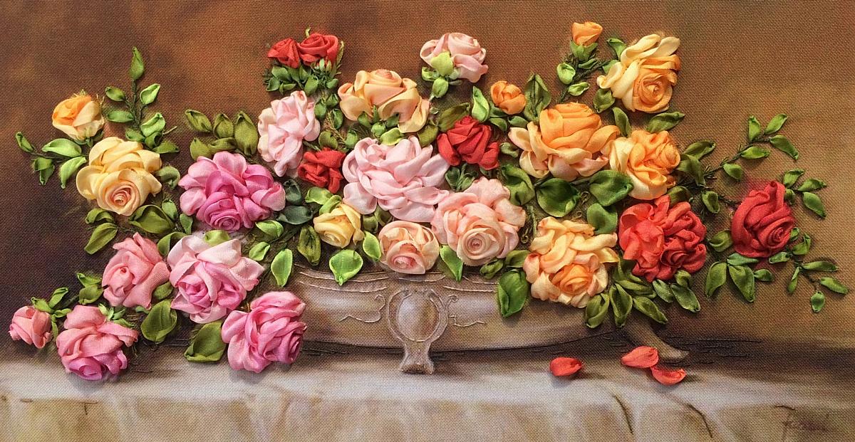 Весенний праздник с выставкой «Ладья»
