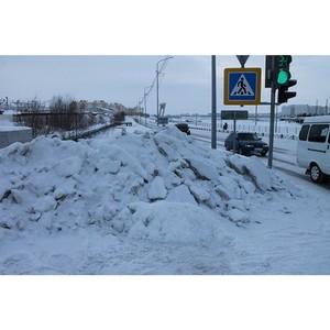 Активисты Народного фронта обеспокоены снежными навалами вблизи пешеходных переходов Салехарда