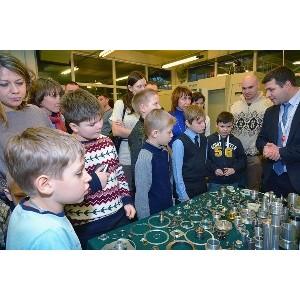 «Швабе» познакомил юных изобретателей с передовой робототехникой