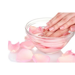 Пальчики-ноготки: как ухаживать за ногтями и кожей рук зимой?