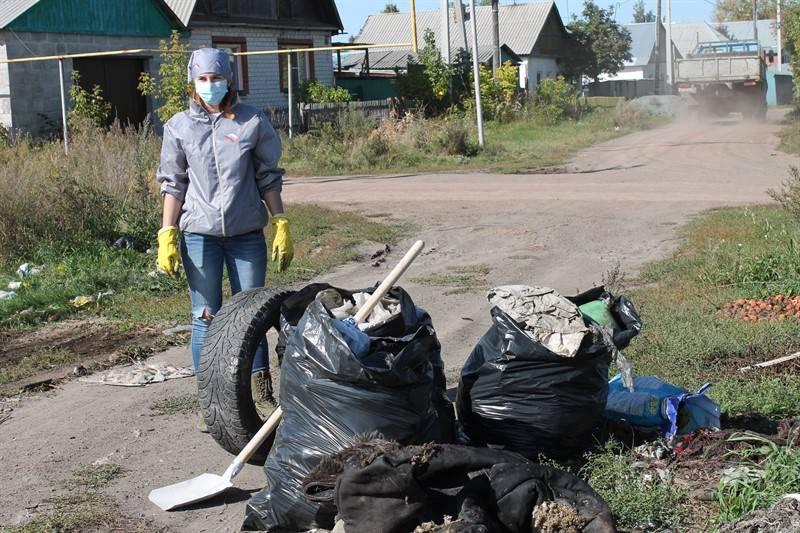 Челябинские активисты ОНФ приняли участие в акции «Генеральная уборка страны»