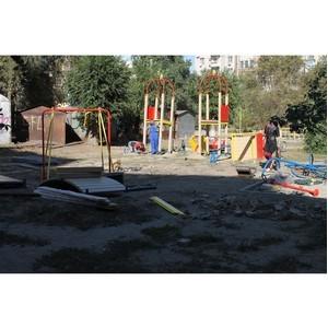 Активисты ОНФ проверили соблюдение сроков благоустройства дворовых территорий в Волгограде